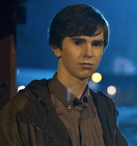 Bates Motel: Recap of Episode 1.04 - Trust Me - Norman