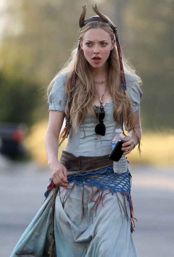 Amanda Seyfried is Horny for Red Riding Hood