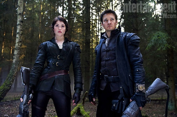 Hansel and Gretel: Witch Hunters Suited Up and Ready for Combat