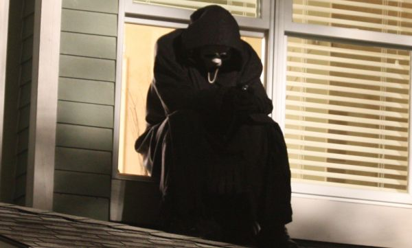 New Scream 4 Images Prove that A Killers Life Isn't Always Exciting