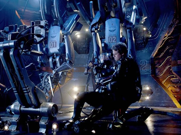New Pacific Rim Stills Finally Bring Some Action