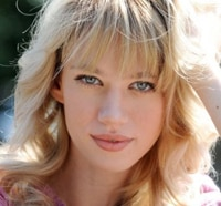 The CW Selects Israeli Actress Yael Grobglas for The Selection
