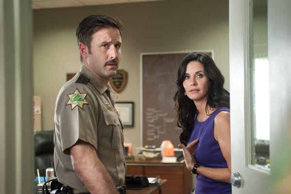 Gale and Dewey Look Serious in Latest Scream 4 Image