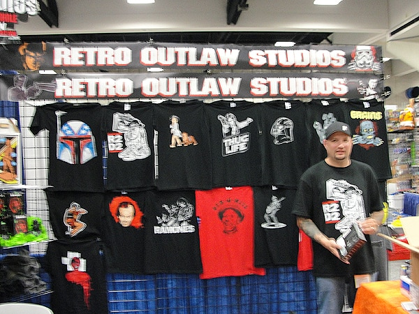 San Diego Comic-Con 2012: Retro Outlaw Booth Tour