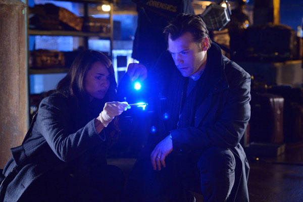 Creepy New Promo and Stills from The Strain Episode 1.02 - The Box