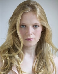 The Walking Dead Adds Frozen Star Emma Bell to its Cast