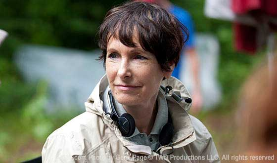 The Walking Dead Exec Producer Gale Anne Hurd Talks Season 4's Ravenous Zombies and More