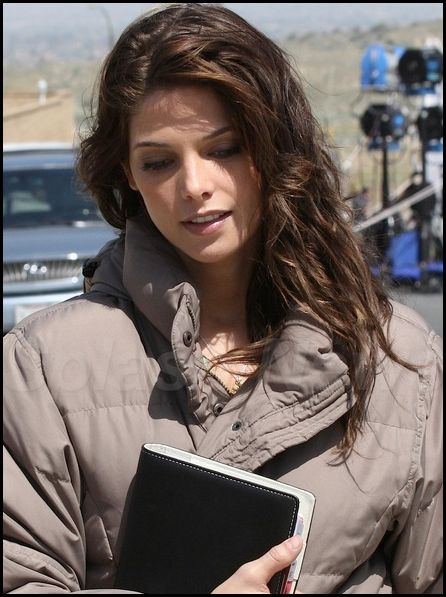 First Look at Ashley Greene on the Set of The Apparition