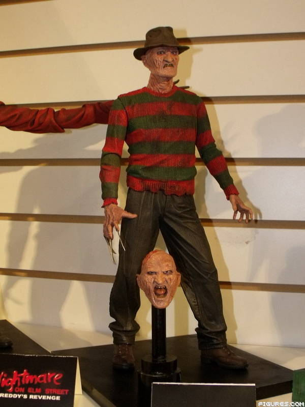 NECA - A Good Look at Their Nightmare on Elm Street 2 Figure and Freddy's Dream House