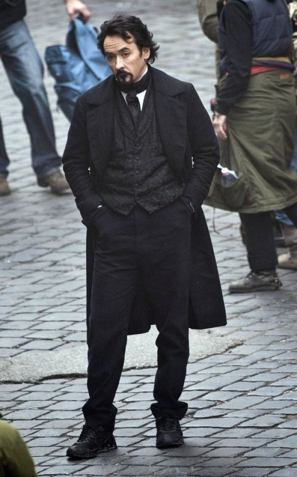 First Look at John Cusack as Edgar Allan Poe in The Raven