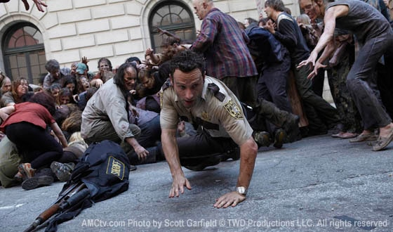 Watch (or Re-Watch) The Walking Dead Series Premiere Now!