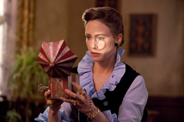 Another Still from James Wan's The Conjuring Materializes