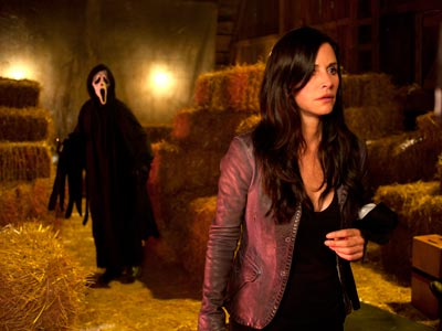 Latest Scream 4 Image Finds Gale Weathers in Big Trouble