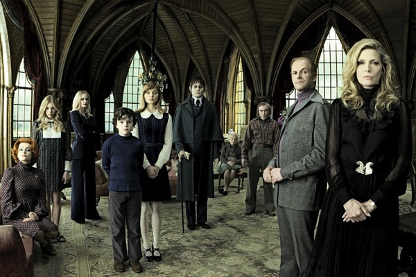 Johnny Depp Vamps it Up in Latest Dark Shadows Image (click for larger image)