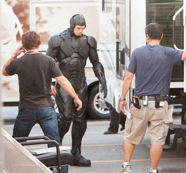Get Your First Look at the New RoboCop Suit Right NOW!