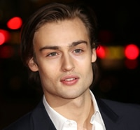 Douglas Booth the Latest to Experience Pride and Prejudice and Zombies