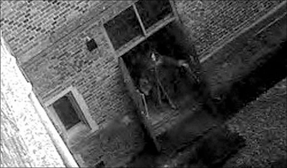ghost 4 - 11 Scariest REAL Ghost Photos