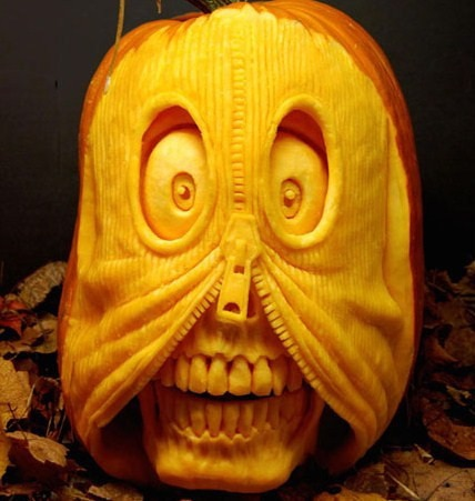 35 Incredible Pumpkin Carvings for Halloween 5