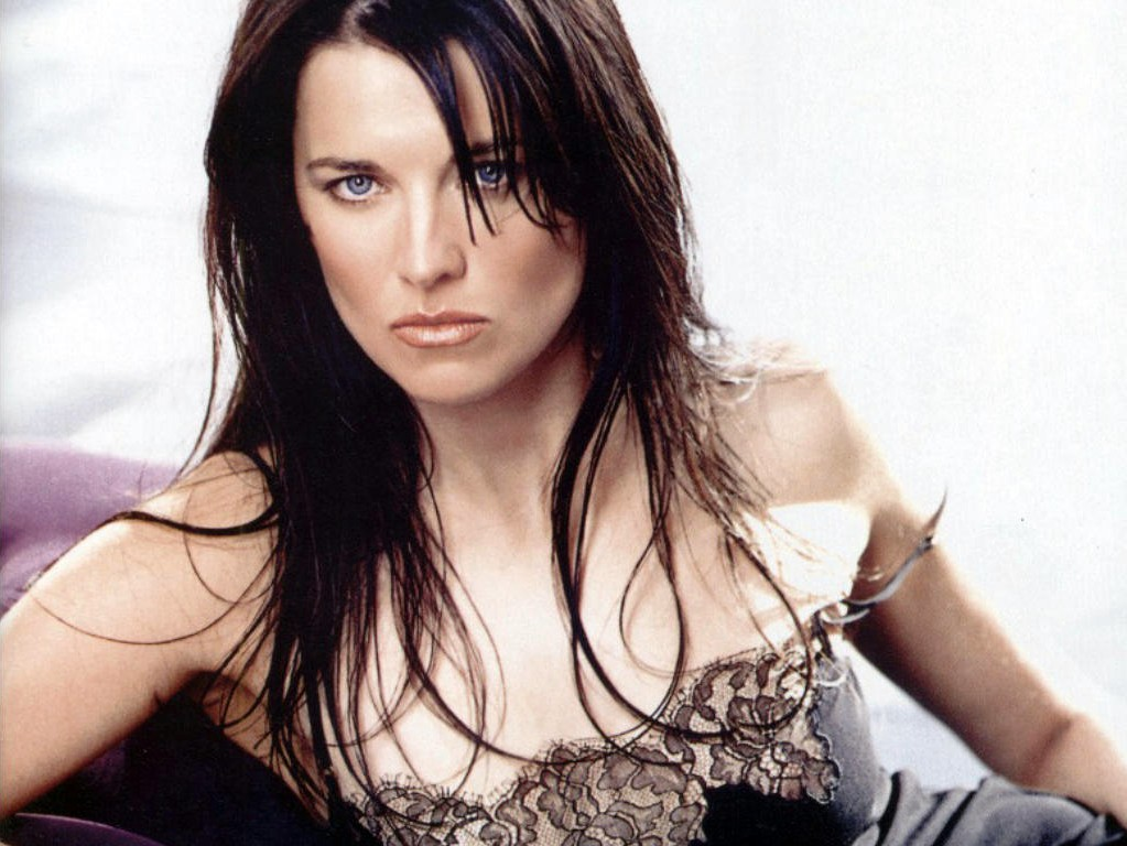 lucy lawless1 - Lucy Lawless Joins Ash vs. Evil Dead