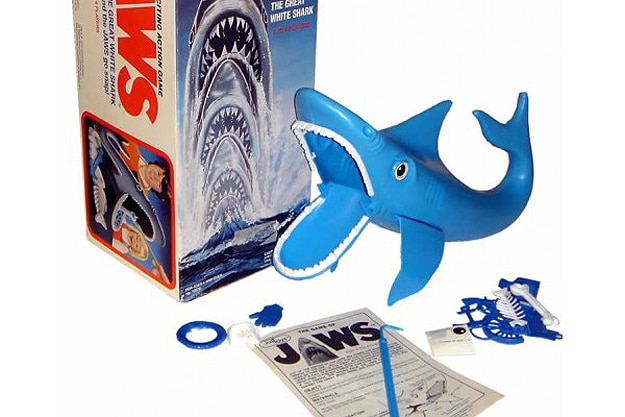 jawsgame - 10 Horror Movies That Were Turned Into Board Games