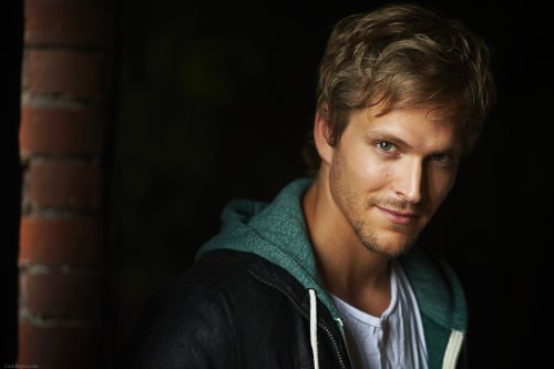 joncor - Jon Cor Joins ABC Family's Shadowhunters