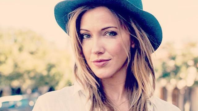 katiecassidys - Arrow's Katie Cassidy to Fight Off The Wolves at the Door