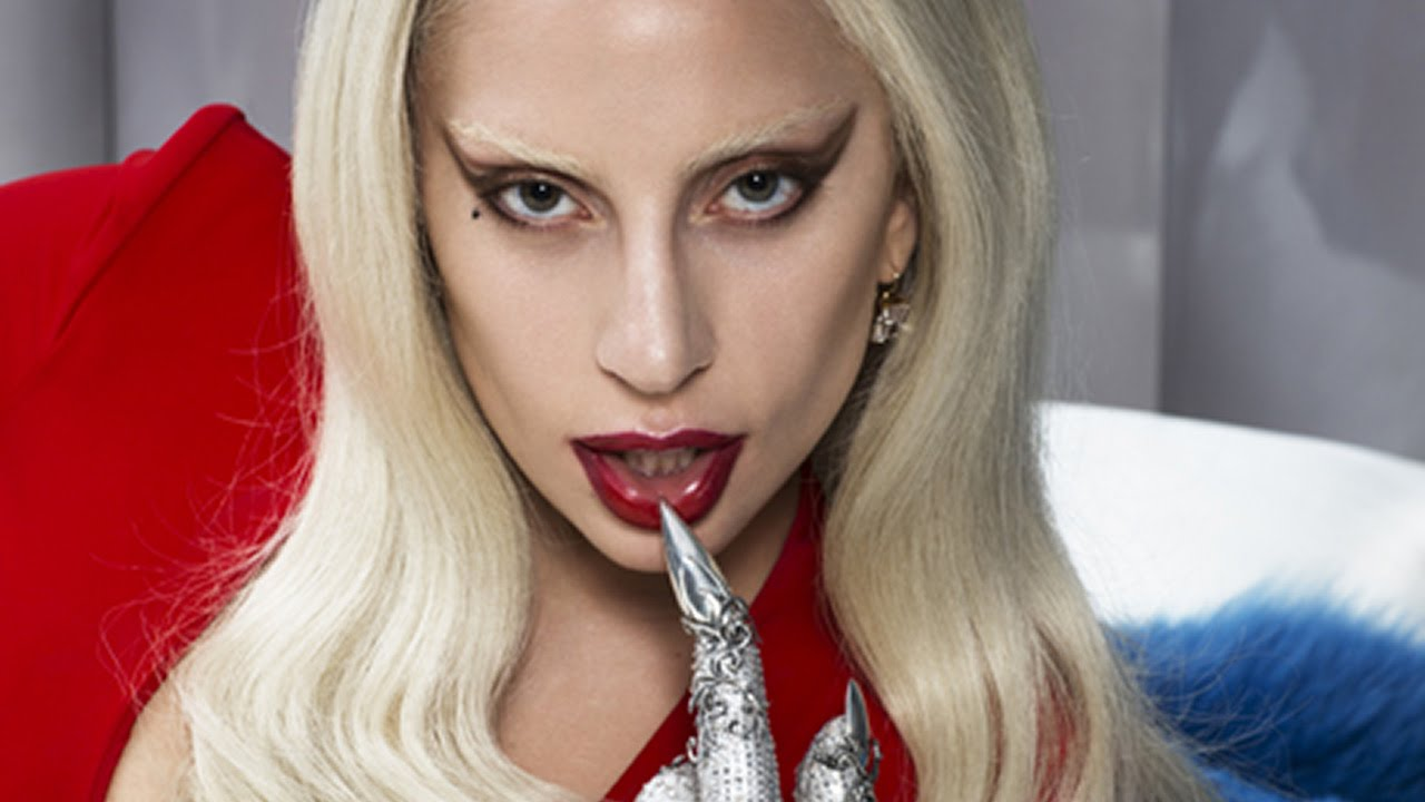 Lady Gaga The Countess - Lady Gaga Returning for American Horror Story Season 6; Angela Bassett Directing an Episode