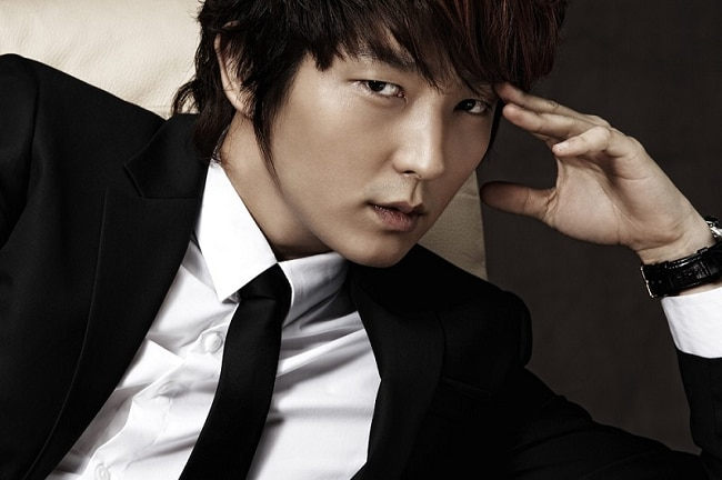 Korean Star Lee Joon Gi Joins Cast Of Resident Evil The Final