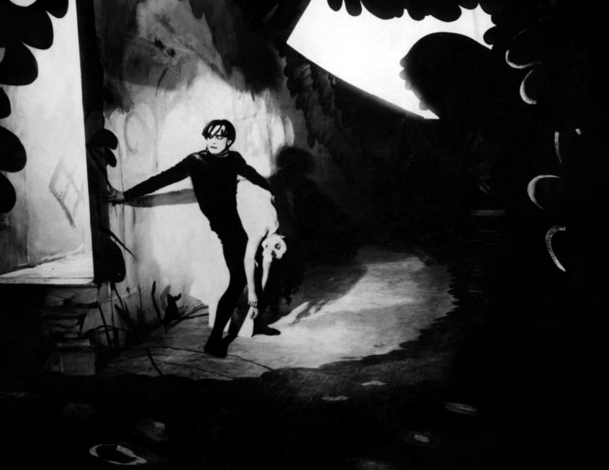 cabinet of dr caligari - 13 of the Most Influential Horror Films