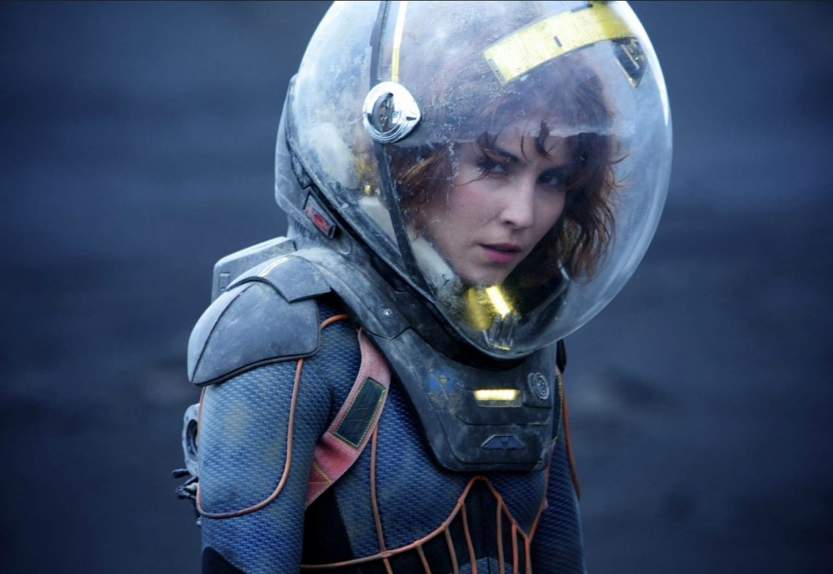 Alien Covenant Spacesuit - Alien: Covenant Prologue The Crossing Sees the Return of Dr. Shaw!