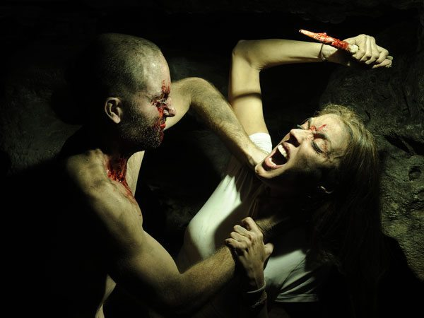 in darkness we fall 11 - Top 5 Terror-Inducing Travelogues