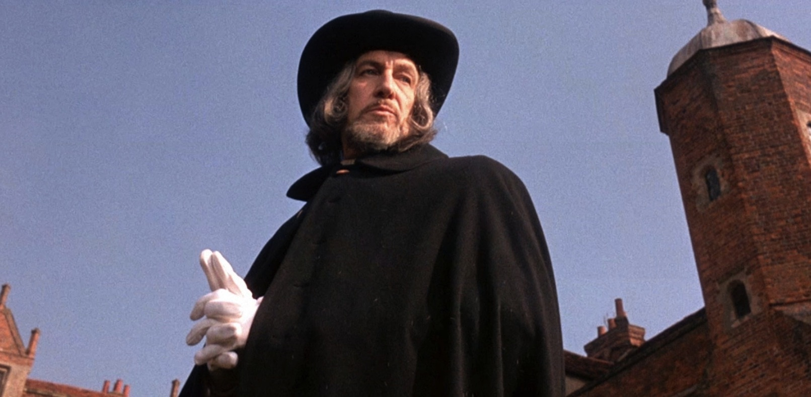 witchfinder general - Cannes 2016: Nicolas Winding Refn Producing Witchfinder General Remake