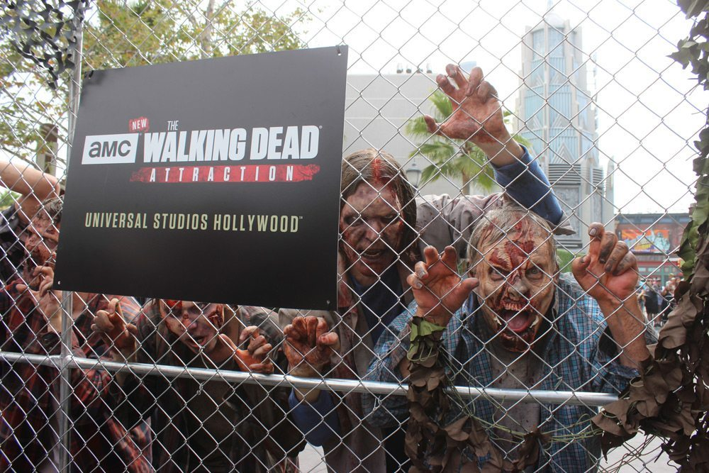 Article Lead Image - Exclusive Videos and Photos: Dread Central Ventures into Universal Studios' The Walking Dead Maze