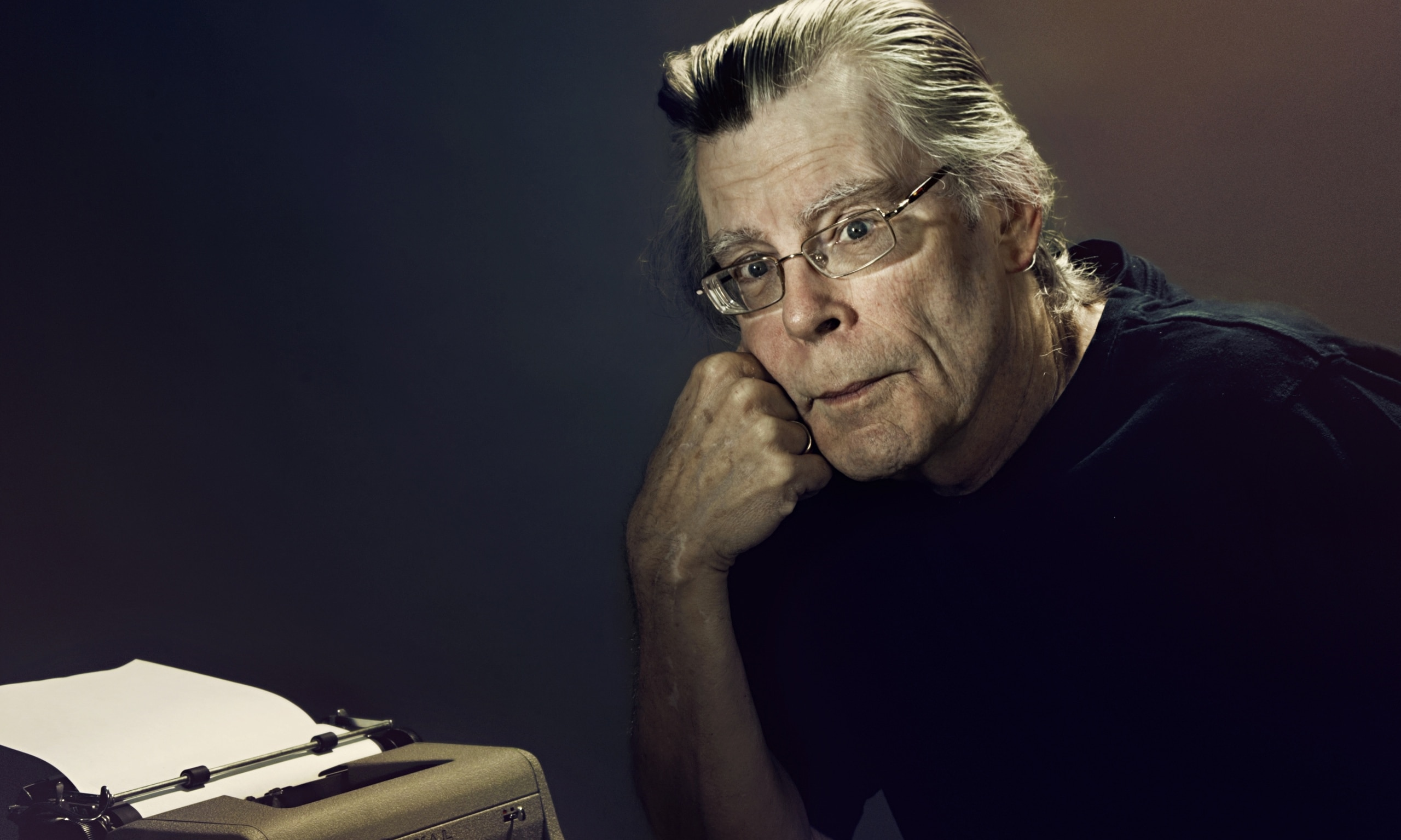 stephan king Stephen edwin king (born september 21, 1947) is an american author of horror, supernatural fiction, suspense, science fiction, and fantasyhis books have sold more than 350 million copies.