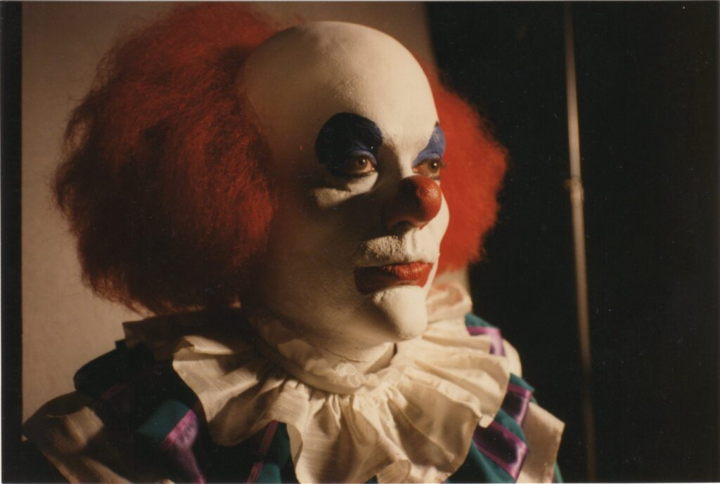Pennywise concept makeup 1024x689 - Rare Photo Shows Tim Curry in Unused Pennywise Concept Makeup