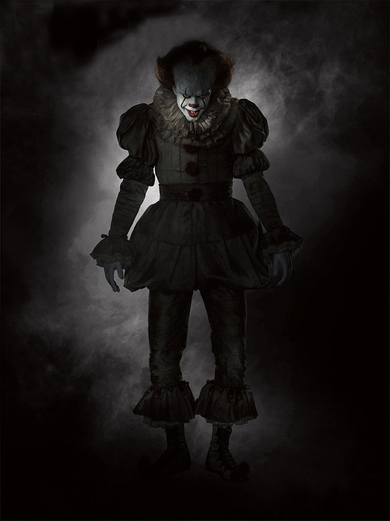 IT Pennywise final - Interview: Bill Skarsgård on Becoming Pennywise in Stephen King's IT