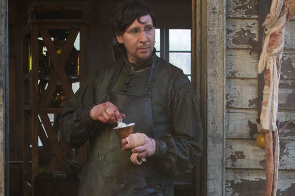 marilynmanson salems3 s - Get Your First Look at Marilyn Manson in Salem Season 3; Premiere Date Revealed!