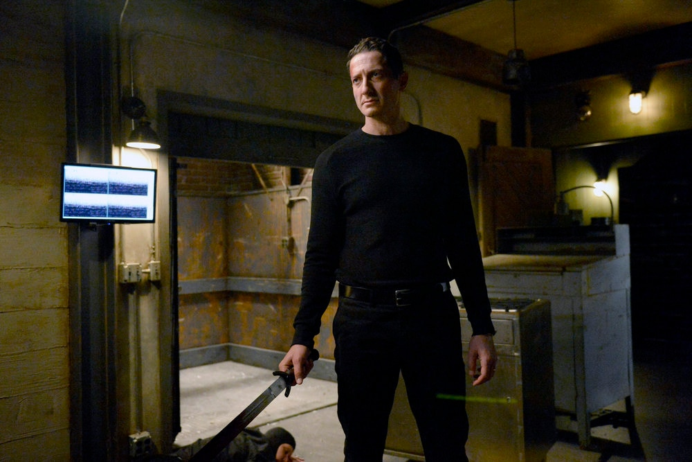 NUP 175125 0436 - See a Sneak Peek of Grimm Episode 6.01 - Fugitive