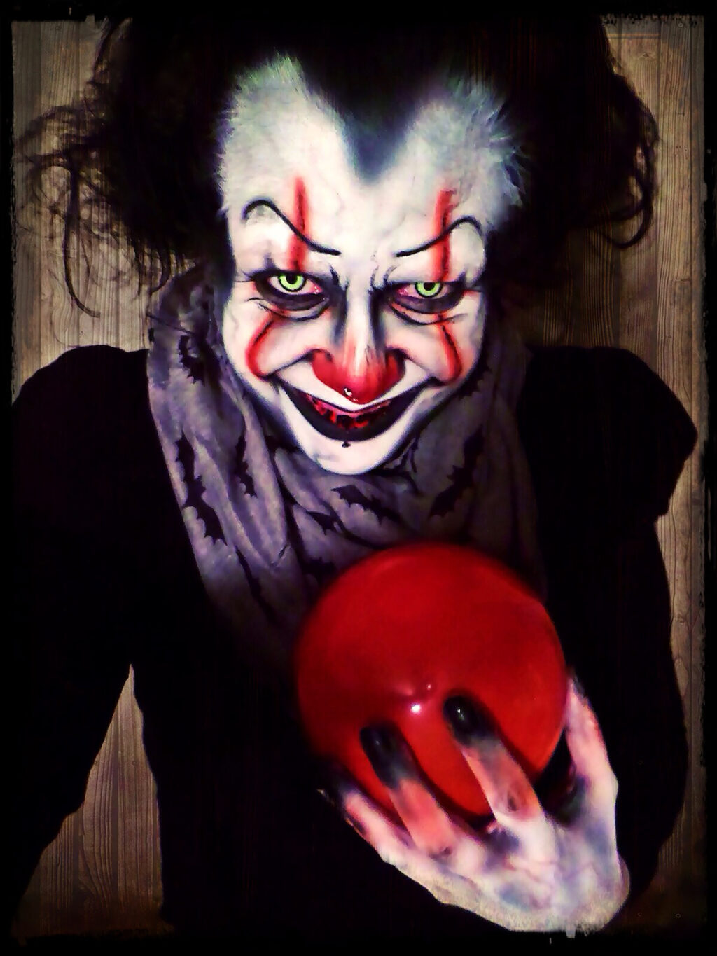 jacquielanternpennywise 1024x1365 - Check Out Jacquie Lantern's Fantastic Pennywise/It Makeup Transformation