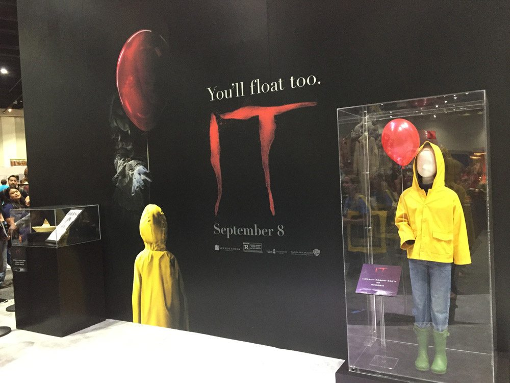 it sdcc 4 - #SDCC17: Stephen King's IT - Wicked Props on Display!