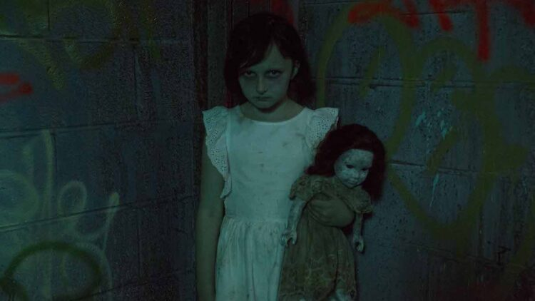 thesound Hoolidge The Sound 1 750x422 - Rose McGowan Studies the Paranormal in The Sound