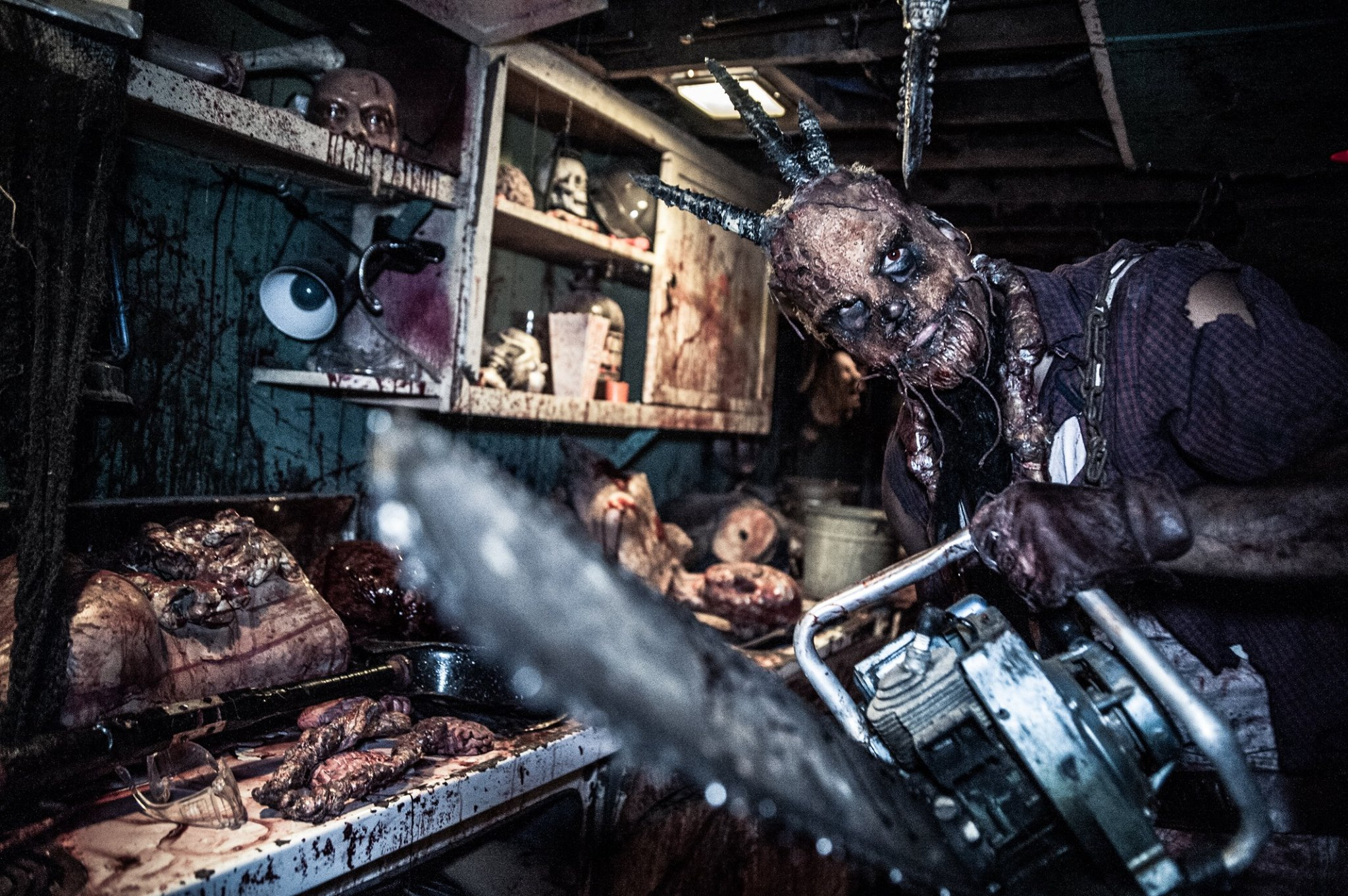 21752940 10155499931530180 242248136819047024 o - Halls of Horror - Haunted Attraction 2017 Preview