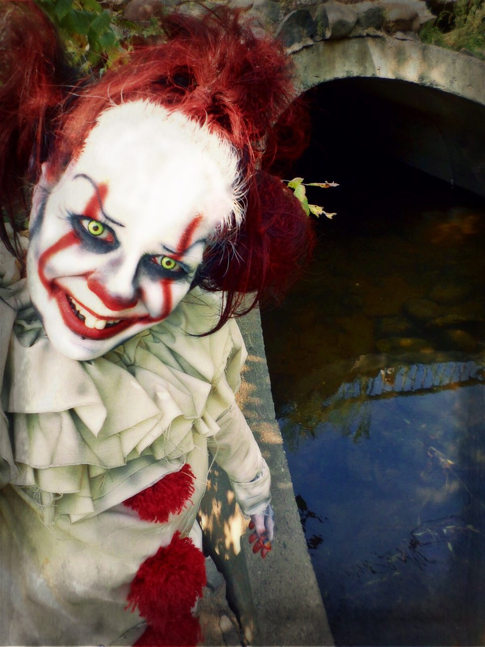 jacquielanternit image2 - Jacquie Lantern Returns With a New Pennywise Makeup Tutorial
