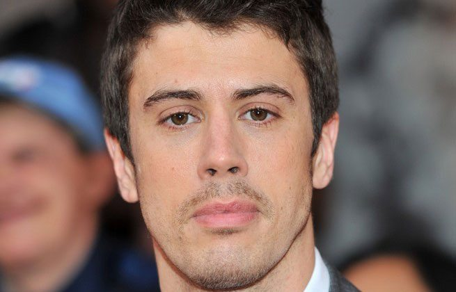 toby kebbell - Planet of the Apes' Toby Kebbell Joins Becoming as Cast Undergoes an Update