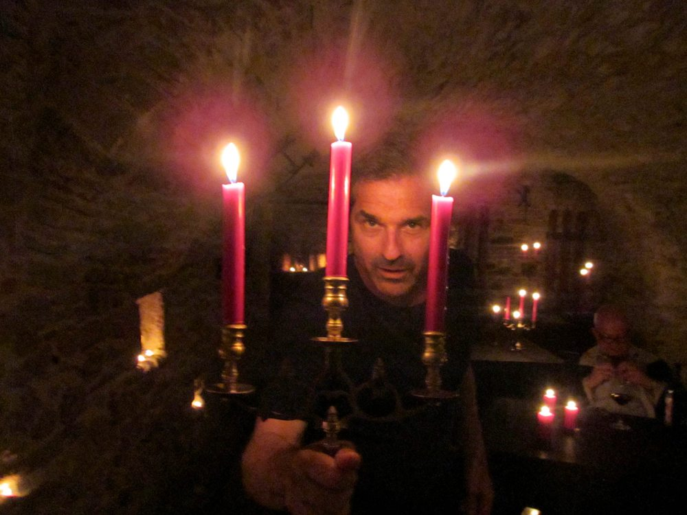 vampires mysteriesatthemuseum - Travel Channel Unveils Full October Schedule Including Extreme Hotels, Vampires, and a Four-Part Ghost Adventures