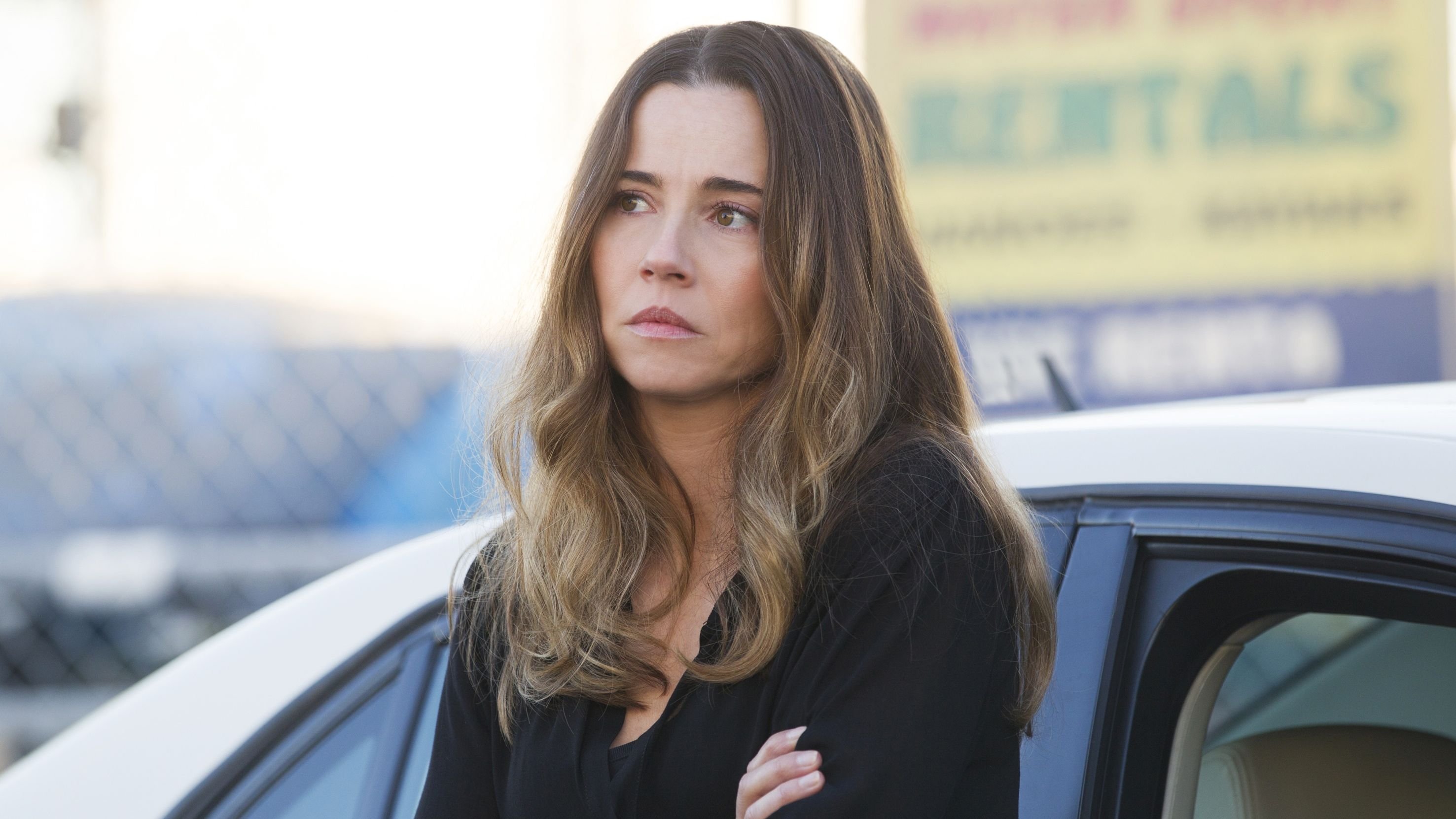 linda cardellini bloodline banner - Linda Cardellini to Take on The Children in James Wan-Produced Feature