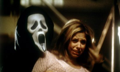 ghostface 1 400x240 - Exclusive: Scream 2's Jerry O'Connell and Kevin Williamson Talk Leaked Scripts and Different Killers!