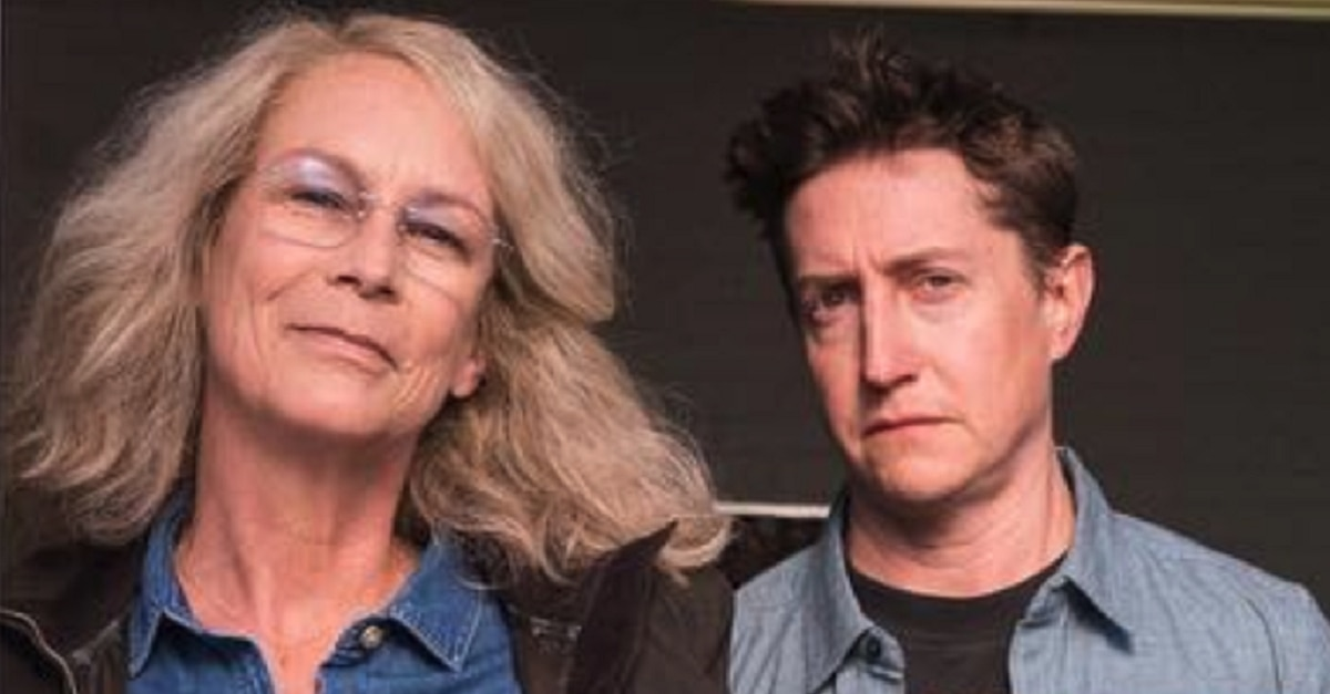 Jamie Lee Curtis posts on-set photo from new 'Halloween'