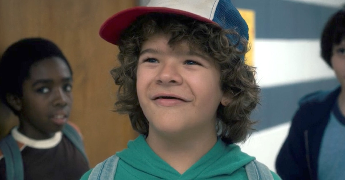 dustin smile stranger things e4 - Netflix's STRANGER THINGS 3 Begins Filming!
