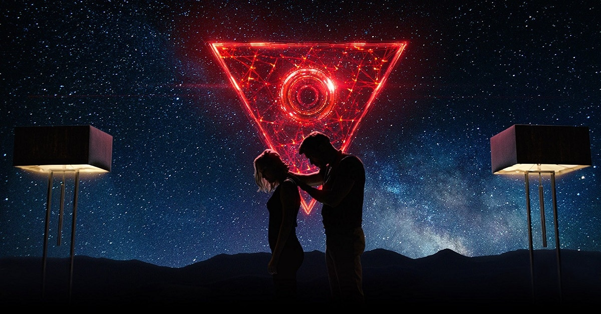 Tau 1 - Netflix's TAU Starring Maika Monroe and Gary Oldman Hits Next Month